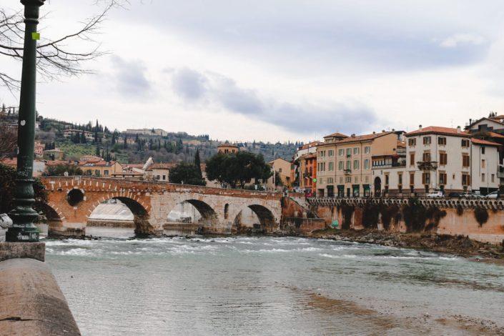 Die Etsch durch Verona