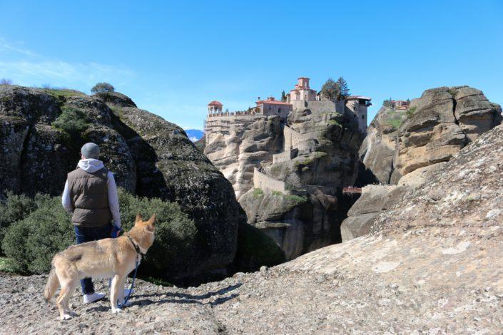 Andi und Baku bei Meteora