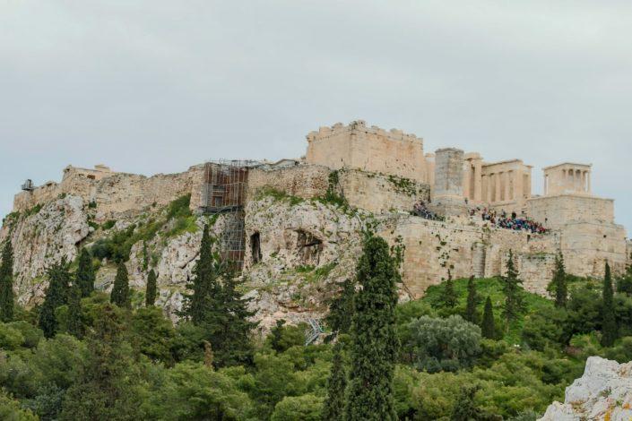 Die Akropolis und die Menschenmassen
