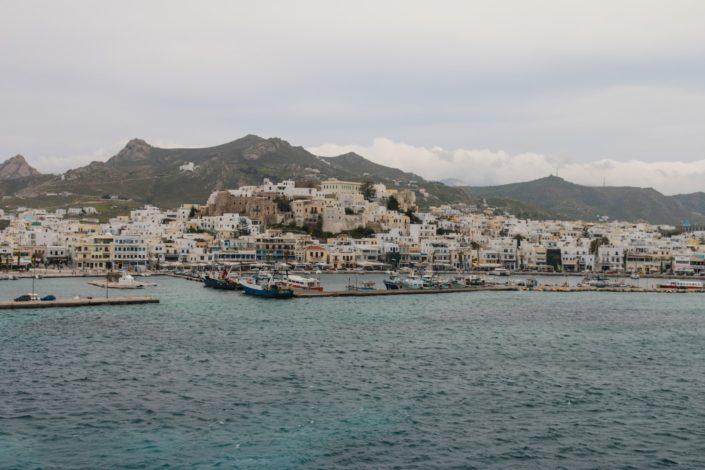 Wir passieren den Hafen von Naxos