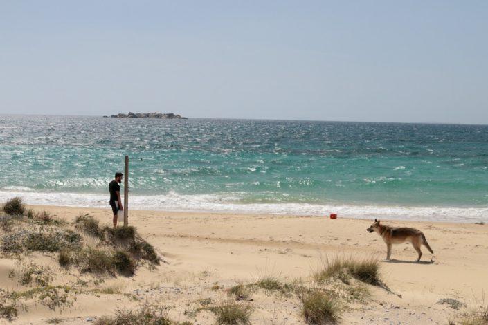 Wasser auffüllen an der Stranddusche, hatten wir auch noch nicht...