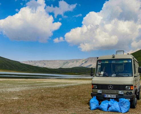 Müllsammelaktion auf dem Vulkan. 3 Tage ohne Menschen, wo kommt es nur alles her?