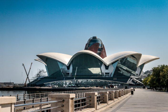 Baku und seine imposanten Bauwerke
