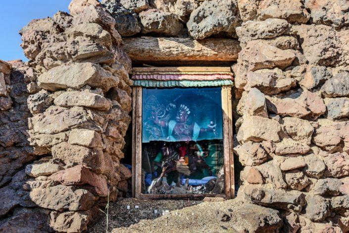 Höhlen bei Northern Shambhala