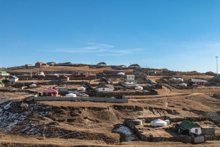 Siedlung bei Süchbaatar | Auf dem an die russische Grenze