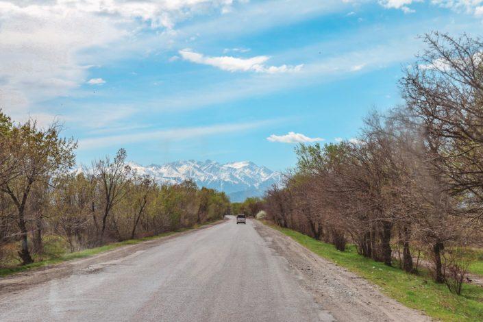 ...etwa 50 km östlich von Bishkek...