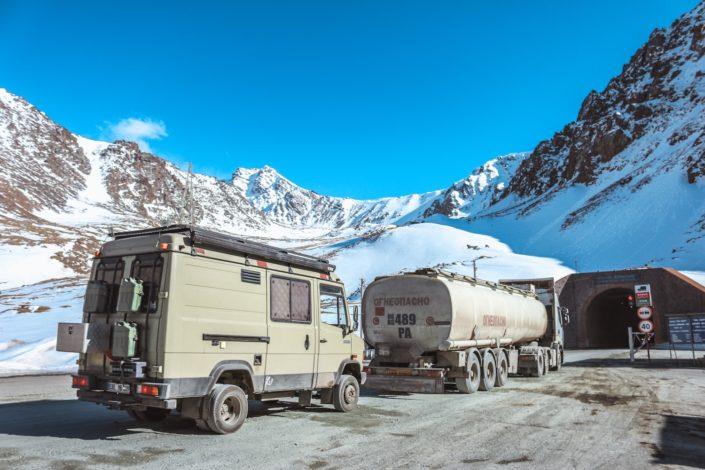 Alabel Pass - Warten auf 3.184 m