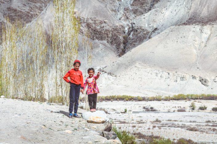 Kinder in Khargush - Unser Weg durch das Wakhan Valley