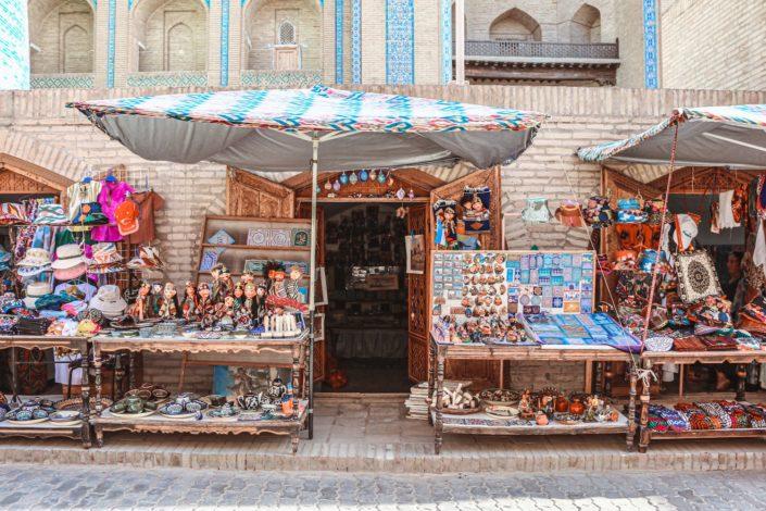 Wie überall sind zahlreiche Souvenir-Shops zu finden